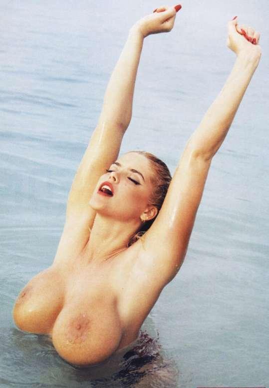 eroticheskie-foto-nikol